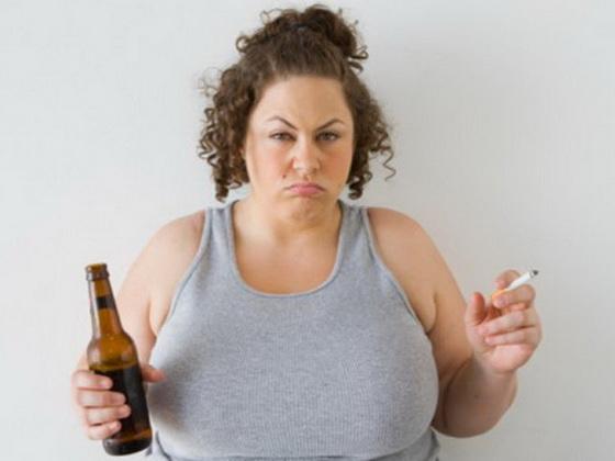 Pochemu v zhenskom organizme mozhet byt' nekhvatka estrogena?